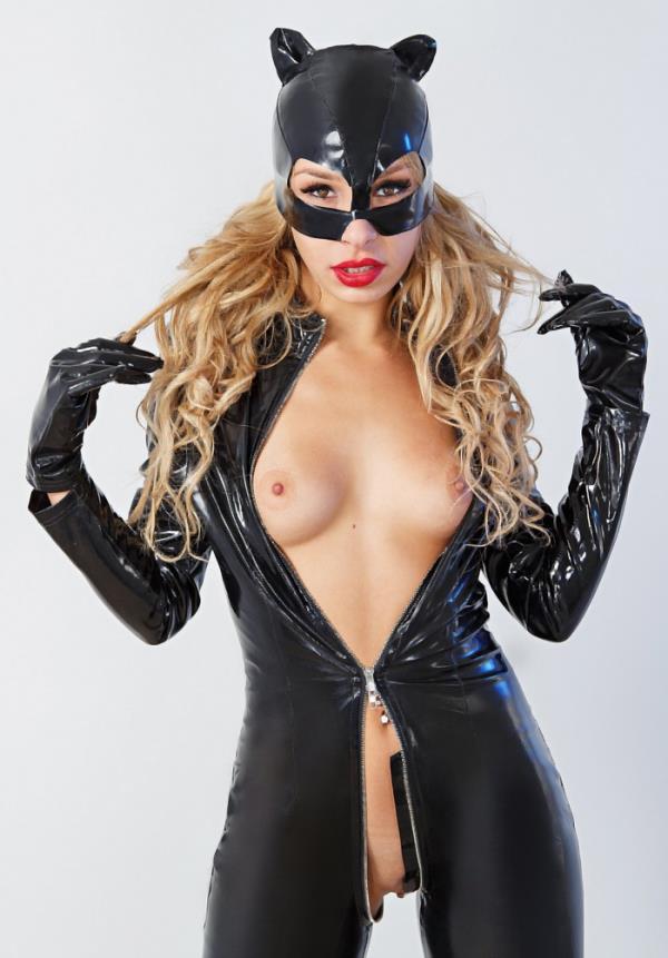 Carmen Caliente - Catwoman XXX [UltraHD/2K 1440p] 2019