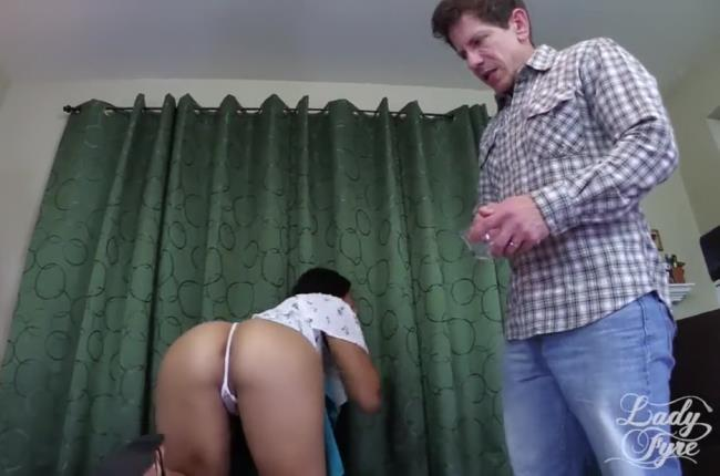 Various Actris-Daddy Taps Young Daughter [HD 720p] Clips4Sale.com [2019/289 MB]