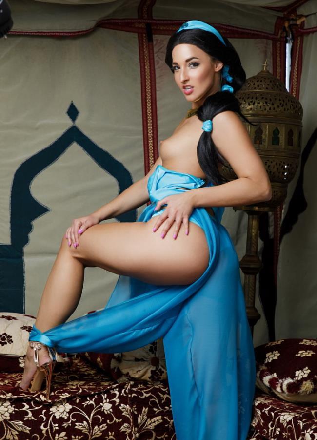 Amirah Adara-Aladdin XXX Parody [UltraHD/2K 1440p] vrcosplayx.com [2019/3.50 GB]