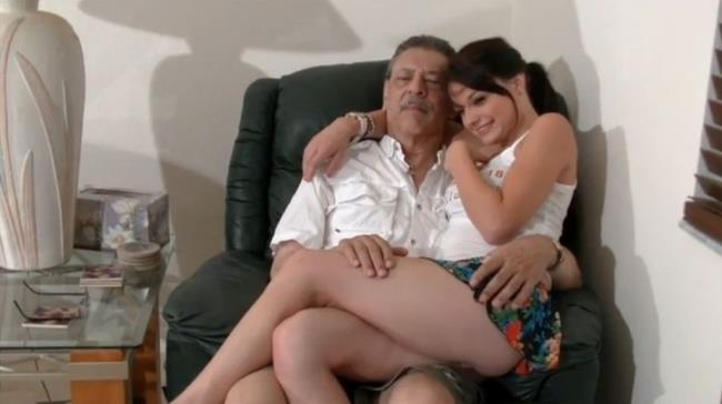 Kaisey Dean-Weekends at grandpas [SD 404p] Clips4Sale.com [2019/310 MB]