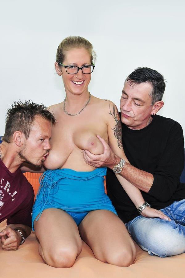 British Mature Anal Threesome