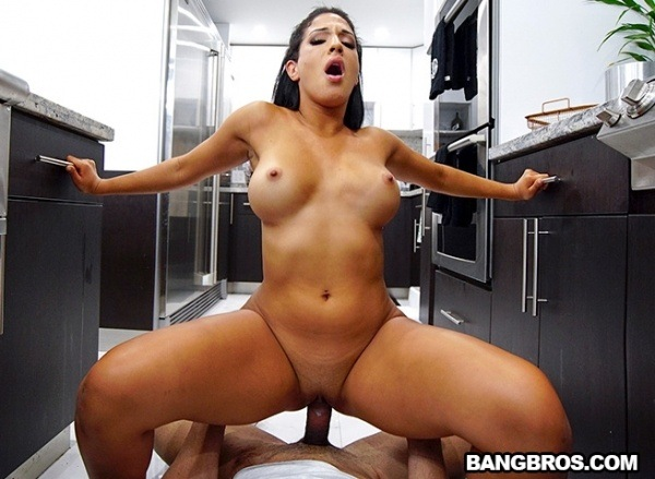 Misty Quinn - Misty Cleans Sucks And Gets Fucked 1080p