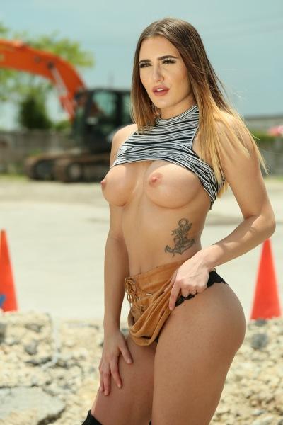 Tyler Steel, Ella Reese - Under Construction