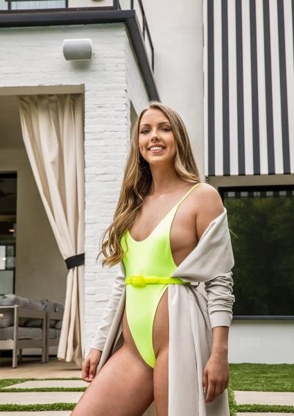 Ashley Red - First Day (2019/FullHD)