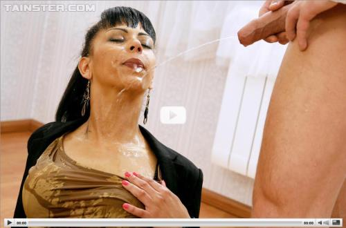Isabella Chrystin - Breaking In The New Place With Piss! (396 MB)