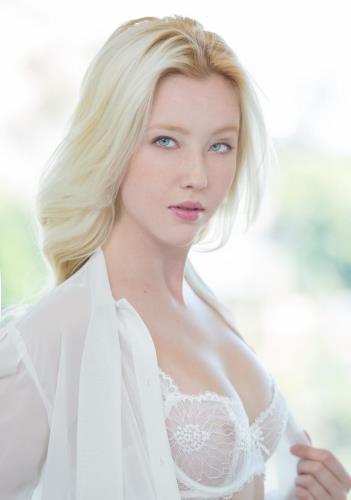 Samantha Rone - Blonde Babe Gets Hot Anal Sex (FullHD)