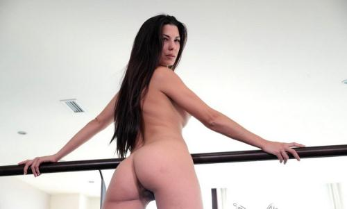 Alexa Tomas - Anal Stretching (HD)